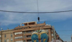 La Falla Avda. Malvarrosa ya ha comenzado el montaje de su monumento (4)