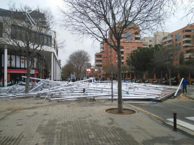La falla Nou Campanar de Valencia se ha caido (1)
