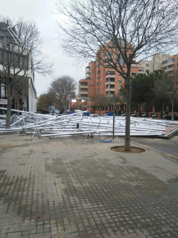 La falla Nou Campanar de Valencia se ha caido (2)