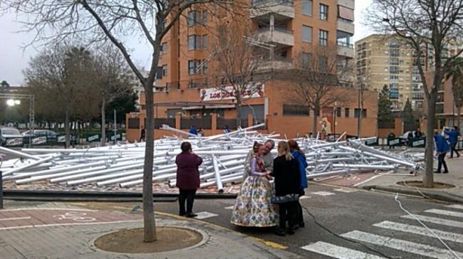 La falla Nou Campanar de Valencia se ha caido (4)