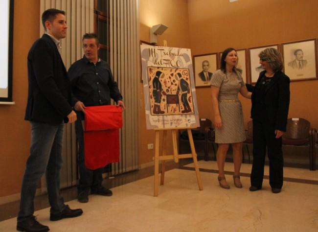 Representante de la Generalitat, presidente de Interpenyes, Alcaldesa y artista que ha confeccionado la imagen de la III Trobada
