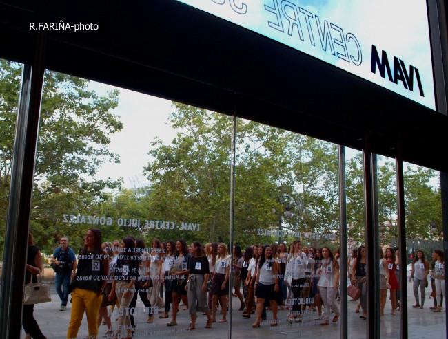 Las candidatas a Cortes y Fallera mayor de Valencia vistan el IVAM (6)