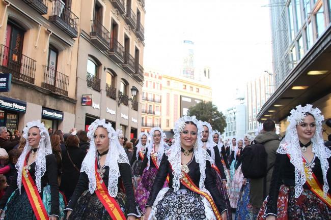 012316  desfile fiestas populares 2