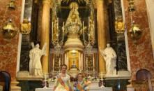 Ofrenda en la Basílica de las Falleras Mayores de Valencia