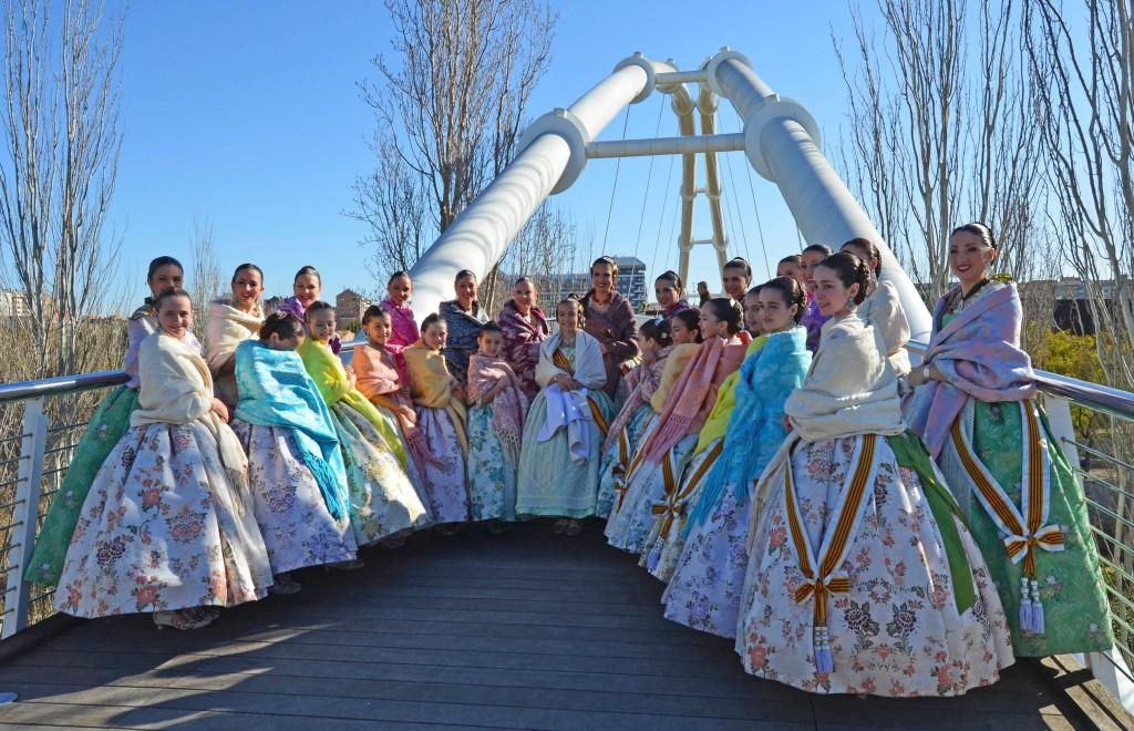 Las Falleras Mayores de Valencia con sus Cortes de Honor visitan BIOPARC